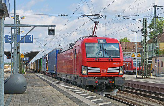 Container Train, Deutsche Bahn, Station Transit