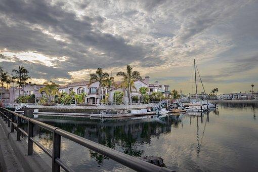 Naples Island, Long Beach, California, Naples Canal