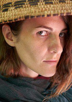 Woman, Overview, Eyes, Hat, Sarmiento, Pissed Off, Nose