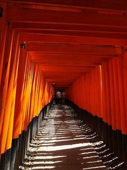 Fushimi Inari-taisha Shrine, Senbon-torii, Kyoto