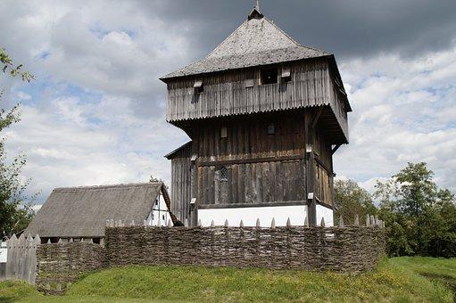Bach Ritterburg, Knight's Castle, Castle, Lower Needle