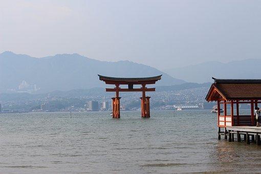 Itsukushima Shinto Shrine, Torii, Miyajima, Shrine