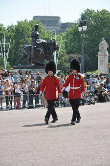 Guardsmen, Guards, Buckingham Palace, London, Tourist