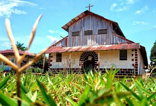 Vaupes, Mitu, Colombia, Monfort, Montfort, Church