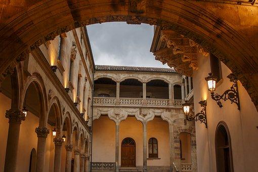 Courtyard Salina, Salamanca, Spain, Architecture
