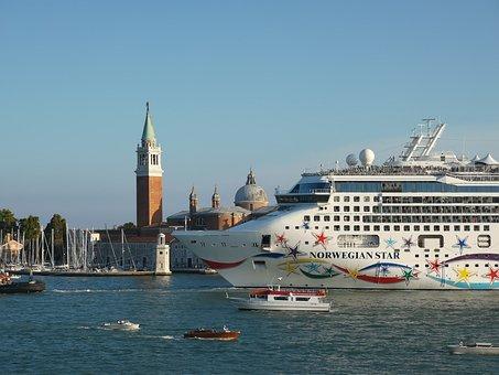 Cruise Ship, Cruiser, Ship, Venice, Italy, Italia