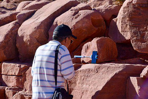 Bag, Cap, Hat, Man, Smartphone, Face Time, Chatting