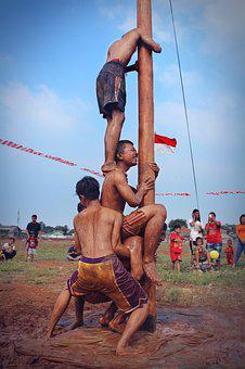 Climbing Slippery Pole, The Annual Event, Independence