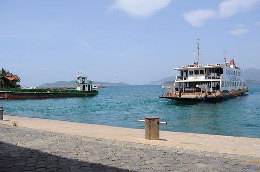 Boat, Halong, Vietnam