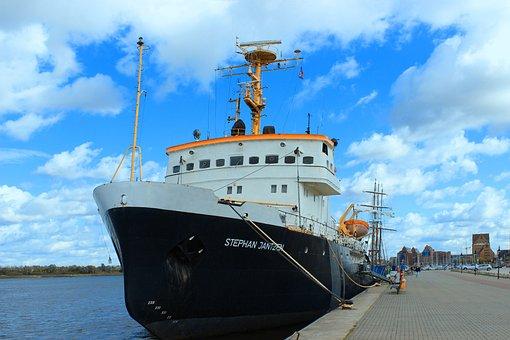Rostock, Deep Sea Tug, Old Port, Kai, Historical