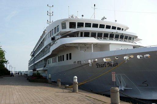 Cruise Ship, Pearl Mist, Sault Ste Marie