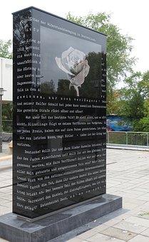 Hans Scholl, Resistance, White Rose, Monument