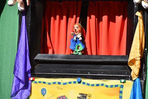 Puppet-show, Judy, Version