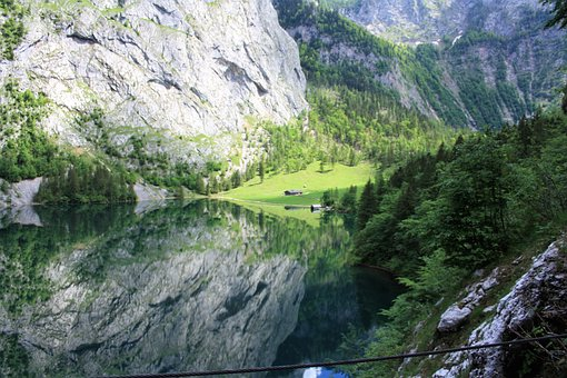 Bavaria, Berchtesgadener Land, Upper Lake, Mountains