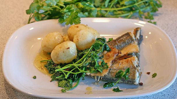 Fish, Garfish, Spinach, Potatoes, Parsley, Food, Dining