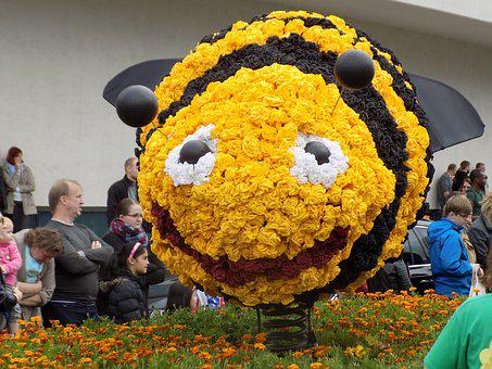 Bee, Pageant, Parade Floats, Paper Mache, Yellow, Funny