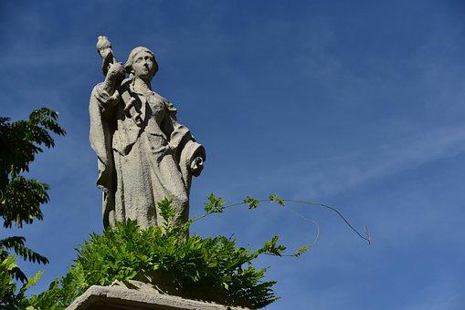 Pillar Statue, Courtyard Garden, Augsburg, Woman