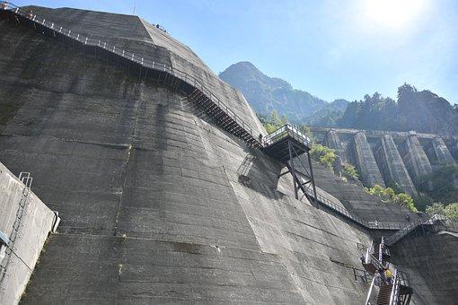 Kurobe Precipitous Cliff, Road Of Kurobe Dam