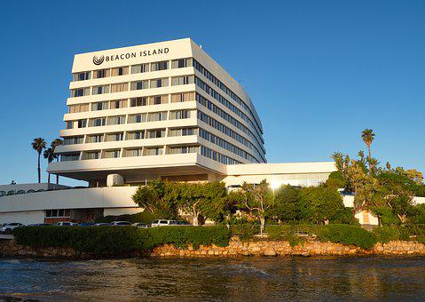 Beacon Island Resort Hotel, Beacon Island