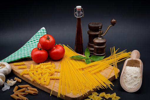 Pasta, Noodles, Spaghetti, Farfalle, Tomatoes, Garlic