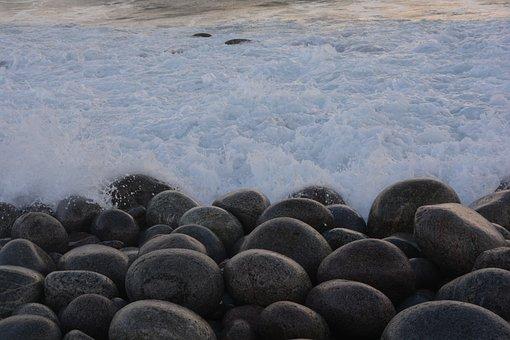 Teriberka, Coast, Barencevo Sea, The Arctic Ocean
