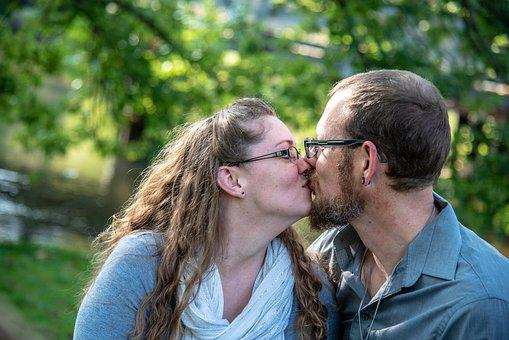 Kissing, Couple, Love, Man, Woman, Outdoor, Affection