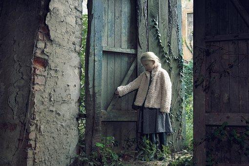 Abandoned, Girl, Child, Emotion, Innocence, Loneliness
