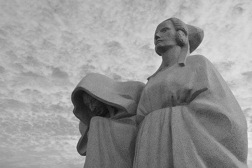 Monument Women, Sculpture Stones