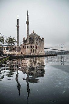 Istanbul, Ortakoy, Ortaköy Mosque, Throat, Beşiktaş