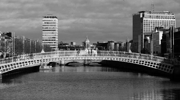 Dublin, Ha'penny Bridge, Dublin City