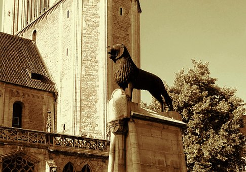 Braunschweig, Castle Square, Lion, Braunschweiger Löwe