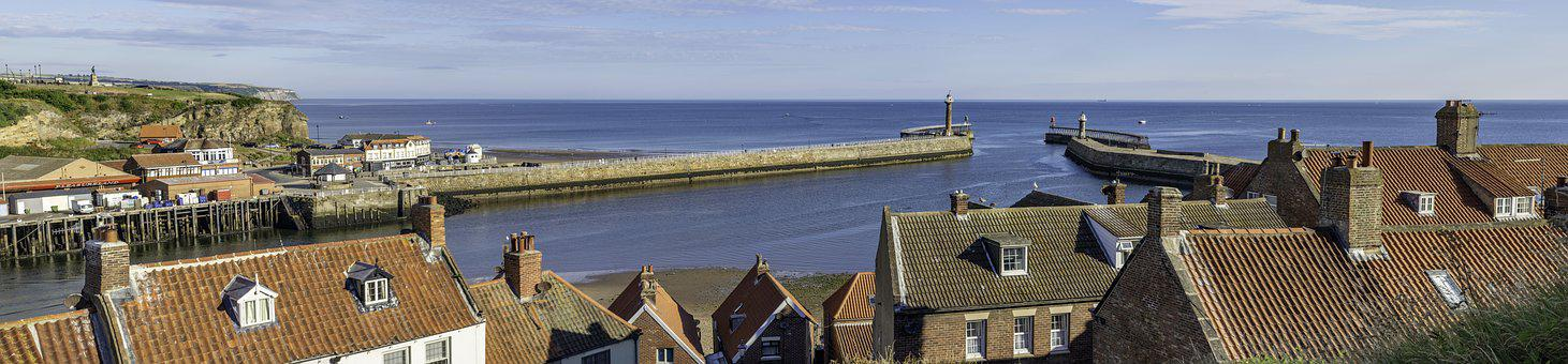 Whitby, Harbour, Entrance, Yorkshire, England, Uk