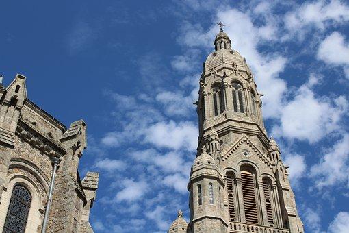 Saint-laurent-sur-sèvre, Church