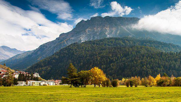 Bergdorf, Reschensee, Autumn, South Tyrol, Italy