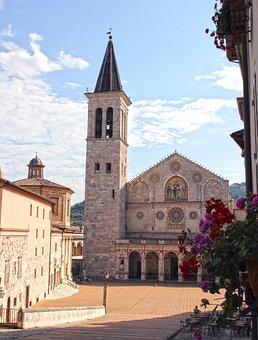 Umbria, Spoleto, Cathedral, Facade, Historian