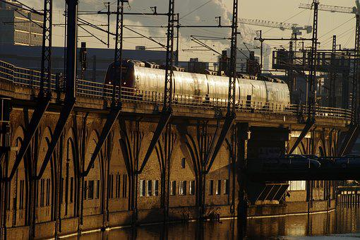 Berlin, Morning Light, Train, Gleise, City, Downtown
