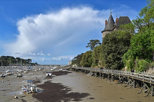 Marina, Low Tide, Castle, Bridge, Wood, Boat, Sky