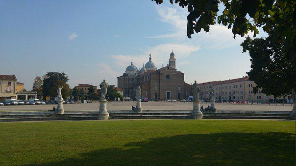 Padova, Italy, Sculptures, Church, Piazza, Architecture