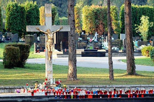 City Cemetery Zagreb, Miroševac, Central Place, Candles