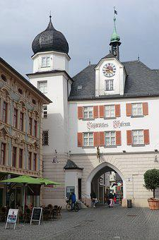 City ​​gate, Rosenheim, Germany, Architecture