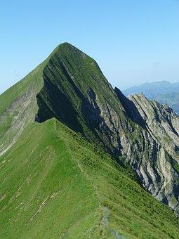 Tightrope Walk, Bergtour, Brienz Red Horn Ridge, Summer