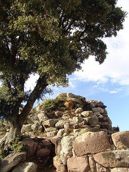 Nuraghe, Sardinia, Italy, Historically, Tower