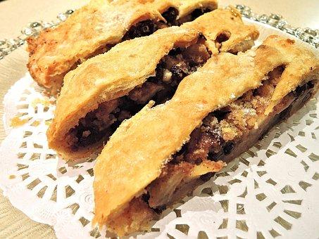 Strudel Slice, Apple, Raisins, Nuts, Baked, Sweet Food
