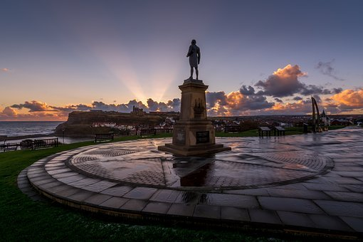 Captain Cook, Statue, Whale Bones, Whitby, Harbour