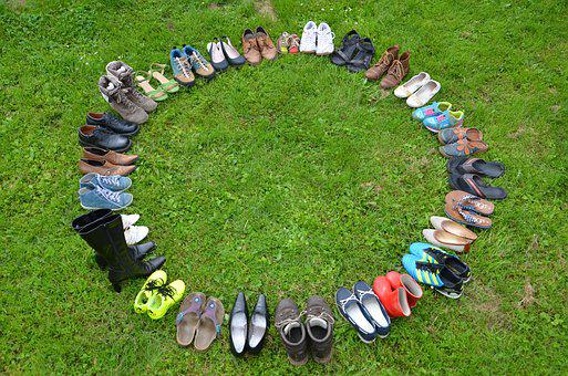 Shoes, District, Meadow, Shoe Circle, Family, Meeting