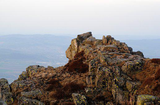 The Giant Mountains, The Tops Of The Mountains, Crag
