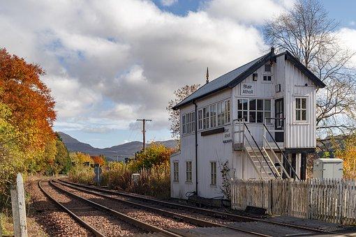 Highland Main Line, Railway, Tracks, Gravel, Train