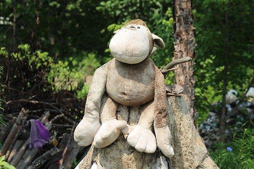 Monkey, Toy, Soft Toy, Children's Toy, Stump, Outdoors