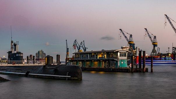 Hamburg, Elbe, U Boat, Landungsbrücken