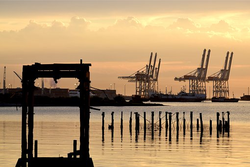 Montevideo, Port, Bay, River Plate, Cranes